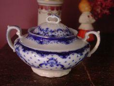 Grindley Flow Blue Keele Pattern w Gold Accent Sugar Bowl & Lid