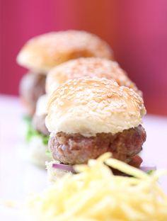 Mini hamburguesa de ternera y queso manchuego.