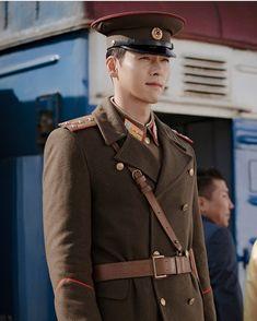 Hyun bin in his north korean soldier attire looking sharp like a needle& point. Hyun Bin, Hot Korean Guys, Korean Men, Korean Celebrities, Korean Actors, Korean Dramas, Asian Actors, Celebs, Shu Qi