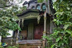 Abondoned NeoGothic Mansion of Webster Wagner, inventor of the Sleeping Car, Palatine Bridge
