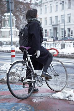 This is what cycling in the snow should look like — nothing special, just an everyday thing :)