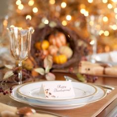 Creating a Stress-Free Thanksgiving Feast Thanksgiving Table Settings, Thanksgiving Parties, Frugal Meals, Cheap Meals, Frugal Recipes, Money Saving Meals, Cooking On A Budget, Cooking Tips, Recipe Organization