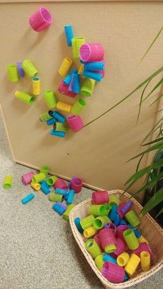 Many ways to use hair rollers as loose parts