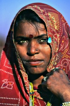 Asia Finest Discussion Forum > Indians With Coloured Eyes (except Brown) We Are The World, People Around The World, Beautiful Eyes, Beautiful People, Indian Eyes, Indian Face, Gypsy Women, Indian People, Sr1