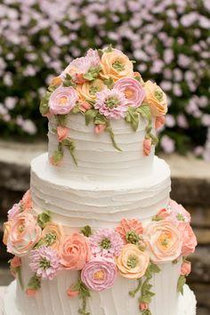 Floral spring wedding cake   Delish Cakes   ©Edward Fox Photography