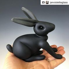 Jen Violette NOW on Talking Out Your Glass Podcast  Subscribe on iTunes or Stitcher www.glassartmagazine.com/talking-out-your-glass-podcast  #Repost @jenvioletteglass with @get_repost ・・・ #hotsculptedglass #rabbit , one part of a larger commission piece for a client that will also have three glass carrots. . #glassart #jenviolette #glasssculpture #artglass #contemporaryglass #glassartist #womenartists #bunny #glassrabbit #rabbitsculpture #vermontartist