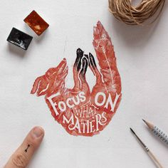 Accurate Watercolor Animals with Powerful Quotes Gosha Bondarev is a Russian artist from Saint Petersburg specialized in the calligraphy and hand-lettering. He decided to realize this series of 9 rules which lead to success, according to him. The most important rules of his life, he explains. These inscriptions are integrated into delicate animals painted in watercolor. A precise, elegant and beautiful work.