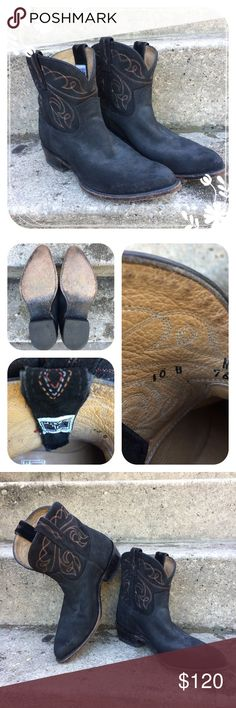 FRYE Women's Suede Western Ankle Boots Size 10b. Pre-owned. They show signs of wear but are still in good condition. Please look at the pictures and don't hesitate to ask questions Frye Shoes Ankle Boots & Booties