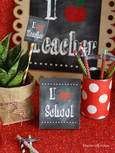 I {apple} school/teacher Back to School Chalkboard printables, flags, tags, toppers for teacher gift {lizoncall.com} #backtoschool #chalkboard #teacher #gift #free #printable