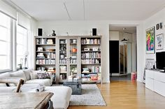 Love the hemnes color with white forniture