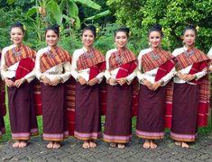 東北タイやラオスの民族衣装 Thai Fashion, Barefoot, Laos, Special Occasion, Thailand, Asian, Dance, Traditional, Costumes