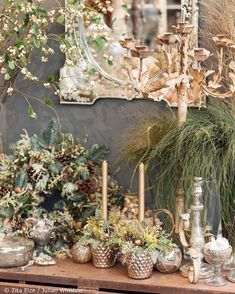 Florist @zita_elze's shop in Kew London is one of my favourite places to visit and especially in the run-up to Christmas. If you follow my Instagram Stories you'll have seen that I went there last week. Well in today's blog post on Flowerona I'm featuring @julian_winslow's gorgeous photographs of both inside and outside this very special place. Simply tap on the link in my bio to head over there now... | #underthefloralspell #floristshop