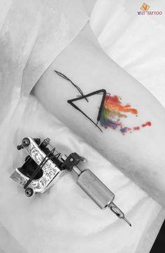קעקוע של פינק פלוייד מאת ויזי קעקועים בירושלים. Punk floyd tattoo in Vizi Tattoo & Piercing Jerusalem. 054-6964123.