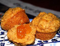 Vegan Applesauce Muffins via @holycowvegan
