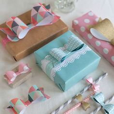 20 DIY Gift Wrap & Gift Topper Ideas