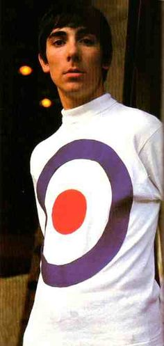 Moon the Loon in the most classic of the 60s mod shirts. The target symbol was of course taken from the RAF emblem.