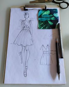 Fashion Model Sketch, Fashion Design Sketchbook, Fashion Illustration Sketches, Fashion Design Drawings, Fashion Sketches, Fashion Drawing Tutorial, Fashion Figure Drawing, Fashion Drawing Dresses, Mode Portfolio Layout