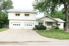 #Auction - June 11th @ 11:30 A.M. - 4050 S. Ellis - McCurdy Auction - (SE) NO MIN/NO RES - 4-BR, 2-BA Home w/ 2-Car Gar
