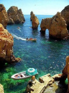 Holidays in Europe - Algarve, Portugal - what a spot - you'll be able to solely attain this with the Bott *** Holidays in Europe? Going by boat within the Algarve, Portugal Places Around The World, Oh The Places You'll Go, Places To Travel, Travel Destinations, Places To Visit, Around The Worlds, Travel Europe, Portugal Destinations, Europe Packing