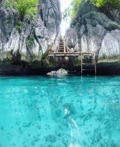 Stairway to paradise, Twin Lagoon, Palawan, Philippines