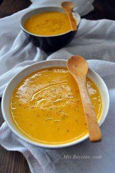 Sopa de calabaza con mandarinas y especias. Naranjas Jiménez #SiLaVidaTeDaNaranjas #NaranjasJimenez www.naranjasjimenez.com