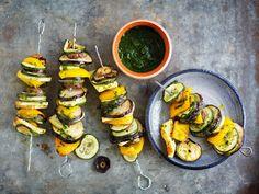 Grillijuustovartaat Home Food, Summer Of Love, Ratatouille, Veggies, Treats, Baking, Ethnic Recipes, Interesting Recipes, Red Peppers
