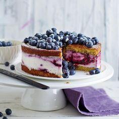 Quark-Sahne-Blaubeer-Torte ~~~~~~~~~~~~~~~~~~~~~~~ [Minispringform] alternativ mit gemahlenen Mandeln gebacken, weil gerade keine Pistazien im Haus waren