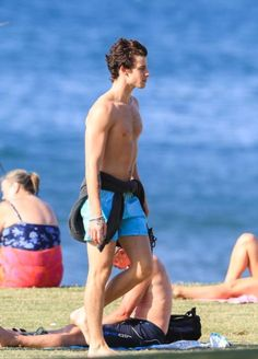 Brisbane Beach, Kids In Love, Rich Kids, Shirtless Men, Marvel Memes, White Man, Cute Guys, Boyfriend, Singer