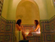Cuatro alojamientos de la ciudad marroquí en los que el baño árabe es el protagonista