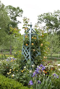 Garden Tuteur & Rose – traditional – landscape – atlanta – Planters – Famous Last Words Garden Trellis, Garden Planters, Garden Art, Garden Design, Garden Hedges, Garden Paths, Bungalow Landscaping, Landscaping Tips, Garden Landscaping