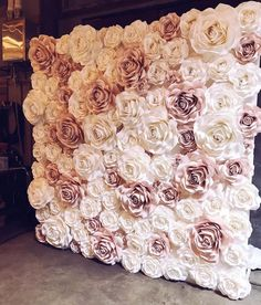 amazing paperrose wall using Ann Neville Design Rose templates. Looks so fluffy and soft ! Flower wall, fake flowers, maybe staple or hot glue? Flower Wall for Photo Booth I want a flower wall at my shower so cute photos can be taken A bigger version of t Flower Wall Backdrop, Wall Backdrops, Paper Flower Wall, Wall Flowers, Backdrop Ideas, Paper Flowers Wall Decor, Backdrop Photobooth, Diy Photo Booth Backdrop, Floral Backdrop
