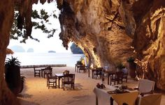 Rayavadee in Thailand is an idyllic resort located in the middle of amazing Phranang Peninsula on the edge of Krabi Marine National Park