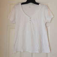 Women's white tee Women's v-neck white short sleeve top with 3 buttons, 100% cotton, preowned no holes or marks size L a.n.a Tops