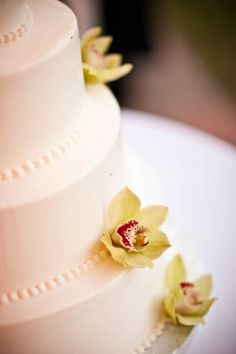 Wedding Cakes. SImple and Elegant