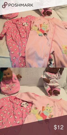 L/S with legs &. Footsies EUC & adorable.panda o-3 months; caterpillar is 6-9 months 7$ each or 2/12$ Child of mine; Taggies One Pieces Bodysuits