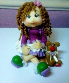 Topo de Bolo Boneca Florzinha em Biscuit.  Podendo alterar cor : cabelo, olhos, vestido . R$ 50,00