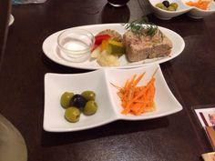 8/8 BARU&DINING笑笑 フローズン白ワインとパテ オレンジラペ オリーブ
