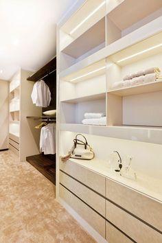 .#closet