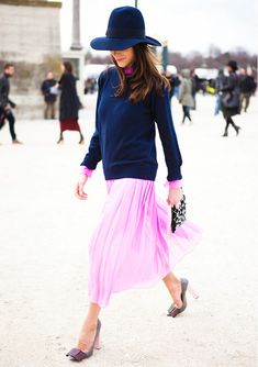 Pink & Blue Outfit by Caroline Sieber - Paris Fashion Week 2012 : Inspiration : Street Style Chic, Looks Street Style, Looks Style, My Style, Robes D'oscar, Summer Dress, Looks Chic, Mode Inspiration, Fashion Inspiration