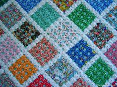 Bed Quilt Patterns, Log Cabin Quilt Pattern, Crochet Patterns, Yo Yo Quilt, Quilt Bedding, Handicraft, Decorative Pillows, Diy And Crafts, Sewing Projects