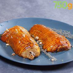 Courge Butternut rôtie au four façon hasselback - Vegetarian Recipes High Protein Vegetarian Recipes, Low Carb Vegetarian Recipes, Cooking Recipes, Healthy Recipes, Roast Recipes, Cooking Ideas, Healthy Meal Prep, Healthy Cooking, Easy Dinner Recipes