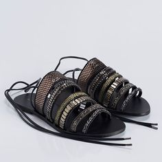 RASTEIRA MIX METAIS | RF 0167 Fab Shoes, Shoes Sandals, Comfort Style, Raves, Miu Miu Ballet Flats, Comfortable Fashion, Feminine Style, Amazing Women, Christian Louboutin
