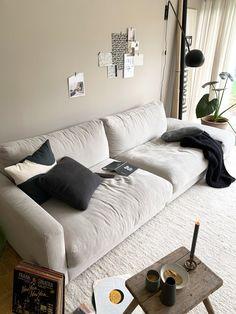 Endlich ein neues Sofa! Aus dunkel wird endlich hell. – Wohnzimmer in beige - Baumwall-Bahnschild - Neuer Blogpost auf 170qm.com