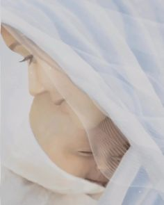 Entrepreneur Inspiration Discover Mother and Child Ave Maria Jesus Mother, Blessed Mother Mary, Blessed Virgin Mary, Mother And Child, Mother Gif, Mother Mary Images, Images Of Mary, Beautiful Romantic Pictures, Beautiful Gif