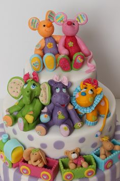 AWESOME fondant figures!!