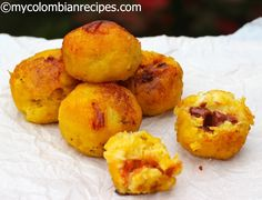 My moms cooking but with a twist!  Mozzarella Plantain Balls: Recetas Colombianas