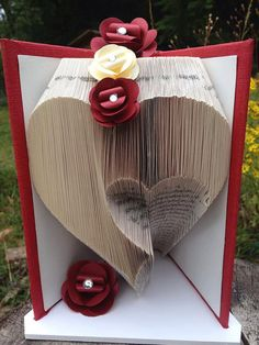 This is a tried and tested pattern for a heart pattern These instructions give you the ability to create this pattern into a book by folding the pages using the measurements provided.  21cm book 300 Folds 600 Pages  Ready for automatic download in PDF