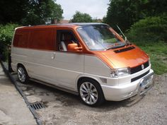 VW T4 Transurfer Van, custom paint job. House of Kolor, Snow White Pearl & Cinnamon Orange Pearl. Painted by James Pratt, J P Autos, Stockport.