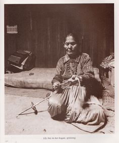 From Navajo Weaving Way: The Path from Fleece to Rug  Photos by John Running