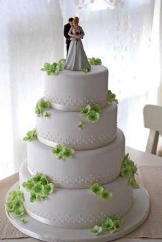 I love this cake topper Elegant Wedding Cakes, Elegant Cakes, Beautiful Wedding Cakes, Gorgeous Cakes, Wedding Cake Designs, Pretty Cakes, Amazing Cakes, Wedding Ideas, Fondant Wedding Cakes